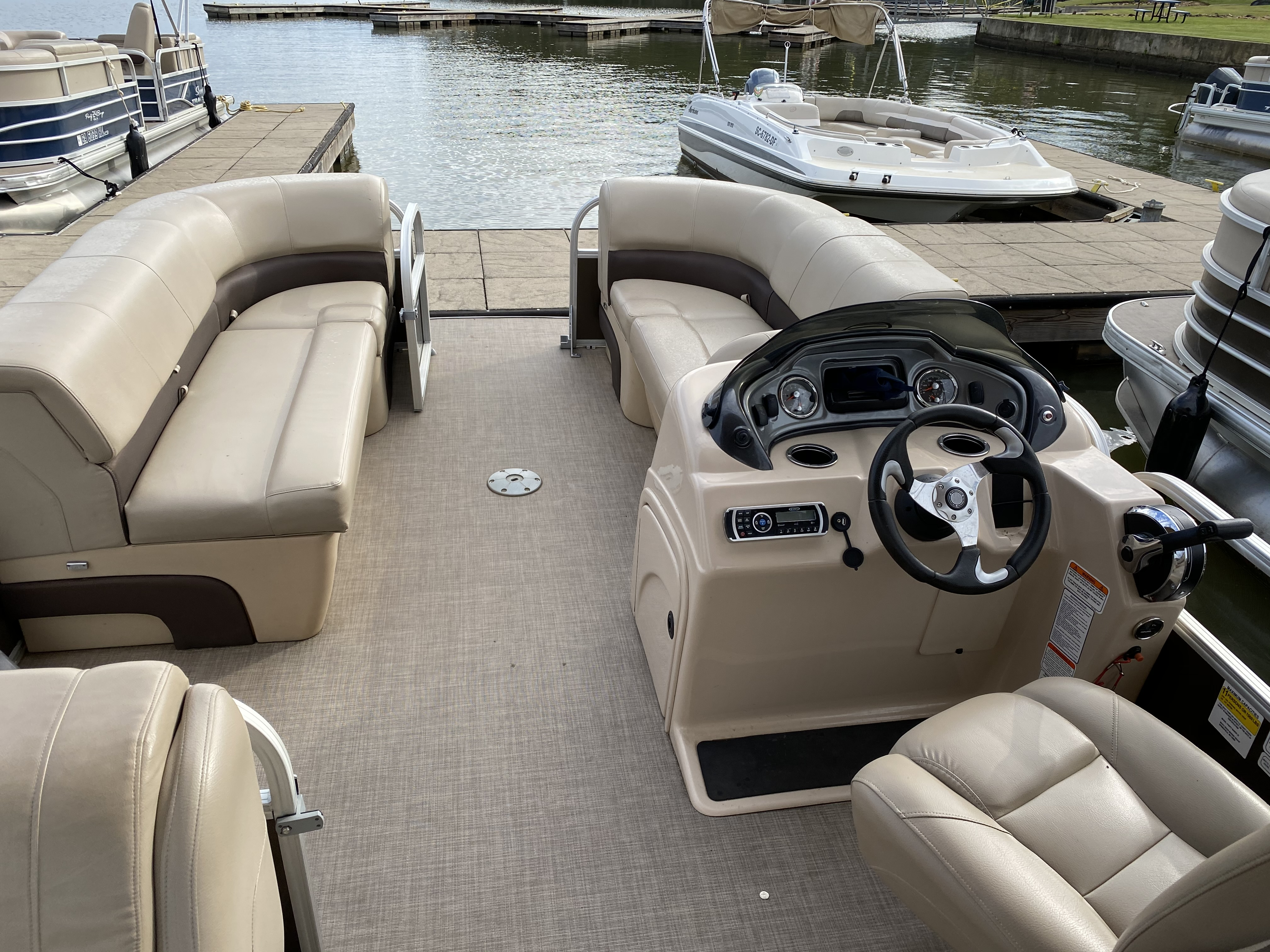2019 Sun Tracker boat for sale, model of the boat is PARTY BARGE 22 w/ Mercury 115 ELPT 4S & Image # 20 of 26