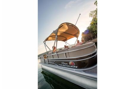 2019 Sun Tracker boat for sale, model of the boat is PARTY BARGE 22 w/ Mercury 115 ELPT 4S & Image # 7 of 26