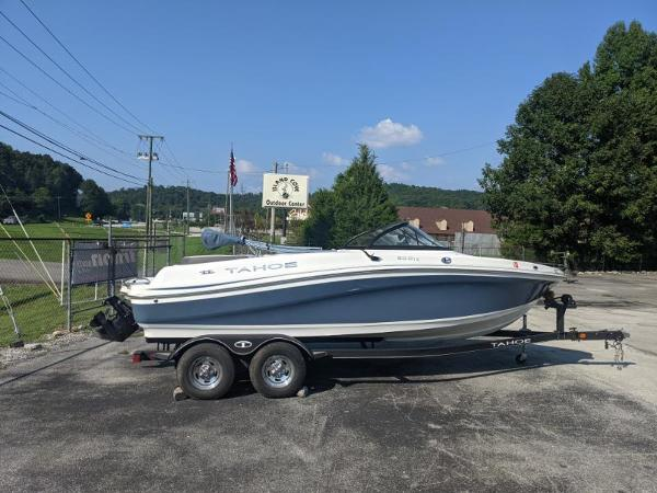 2018 Tahoe boat for sale, model of the boat is 500 TS & Image # 4 of 47