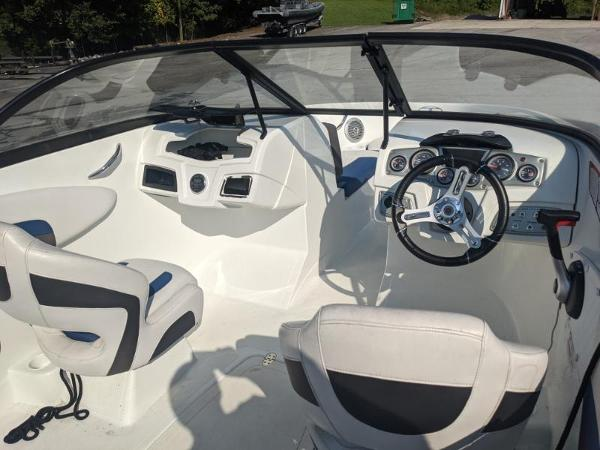 2018 Tahoe boat for sale, model of the boat is 500 TS & Image # 6 of 47
