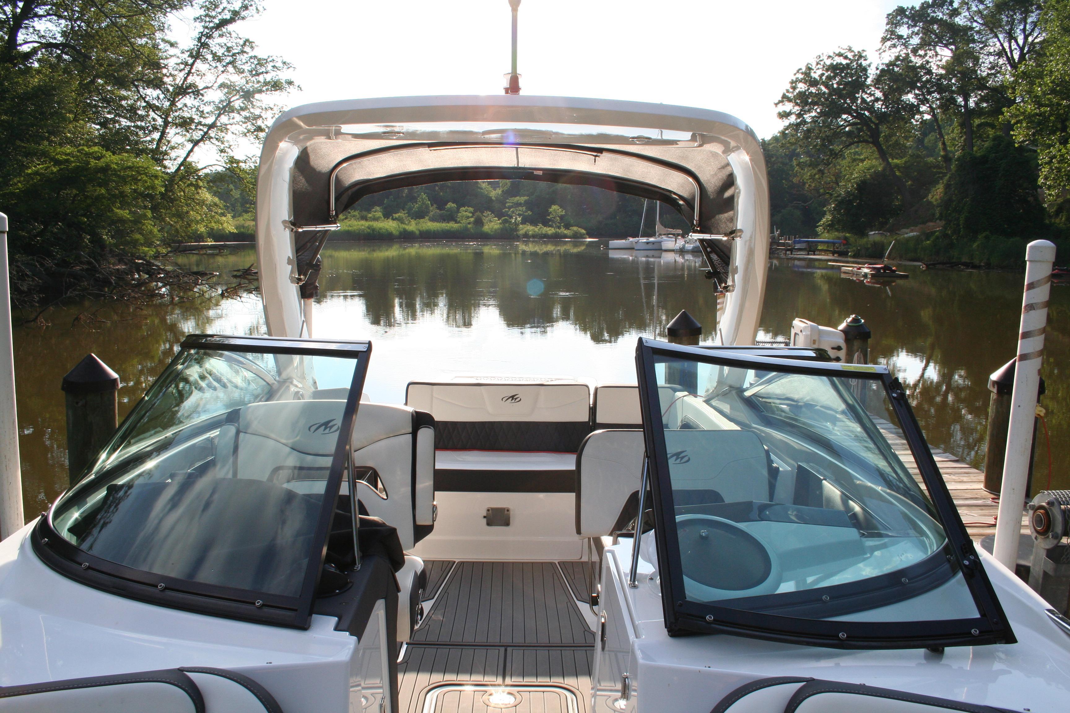 M 5916 VR Knot 10 Yacht Sales
