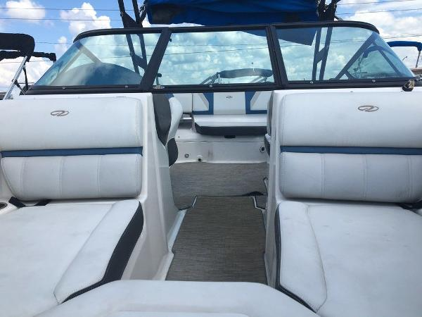 2017 Regal boat for sale, model of the boat is 2000 ESX & Image # 4 of 8