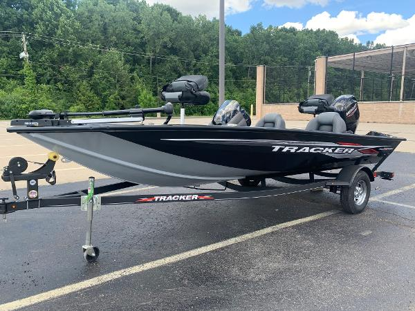 2021 Tracker Boats boat for sale, model of the boat is Pro Team 175 TXW & Image # 2 of 24