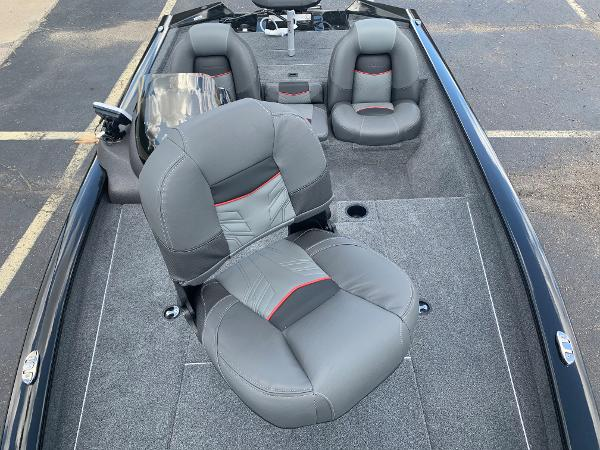 2021 Tracker Boats boat for sale, model of the boat is Pro Team 175 TXW & Image # 14 of 24