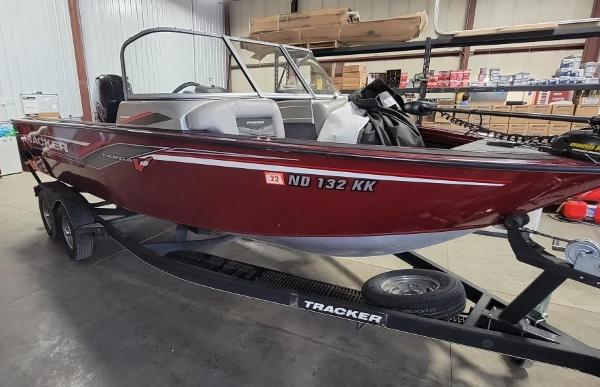 2017 Tracker Boats boat for sale, model of the boat is Targa 18 Combo & Image # 2 of 14