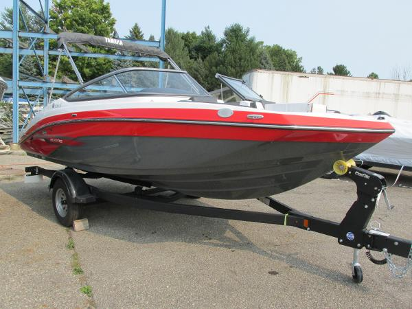 2021 Yamaha boat for sale, model of the boat is SX 195 & Image # 2 of 30
