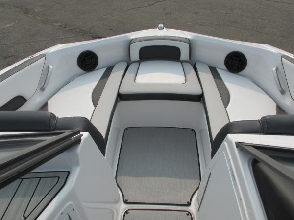 2021 Yamaha boat for sale, model of the boat is SX 195 & Image # 5 of 30
