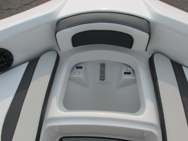 2021 Yamaha boat for sale, model of the boat is SX 195 & Image # 8 of 30