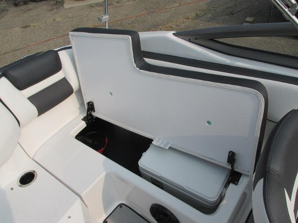 2021 Yamaha boat for sale, model of the boat is SX 195 & Image # 12 of 30