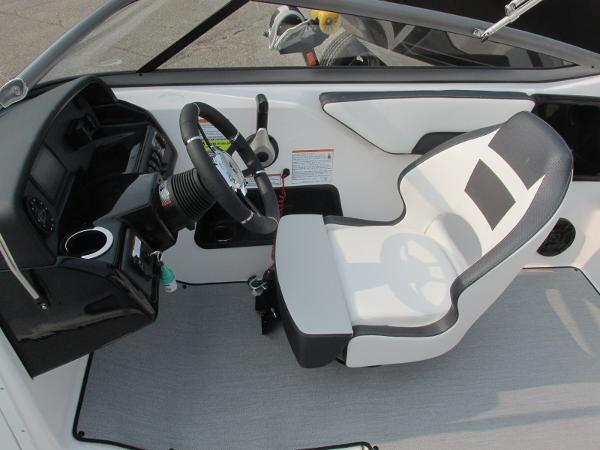 2021 Yamaha boat for sale, model of the boat is SX 195 & Image # 15 of 30