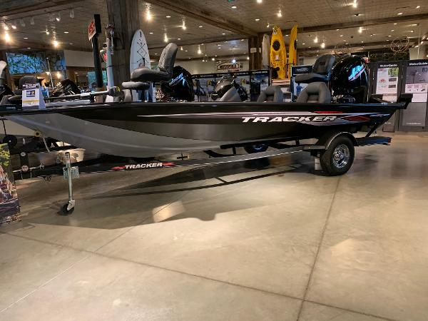 2021 Tracker Boats boat for sale, model of the boat is Pro Team 190 TX & Image # 1 of 10