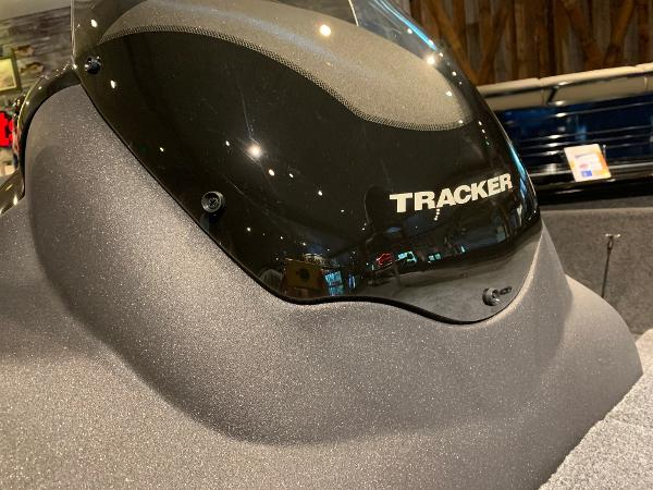 2021 Tracker Boats boat for sale, model of the boat is Pro Team 190 TX & Image # 8 of 10