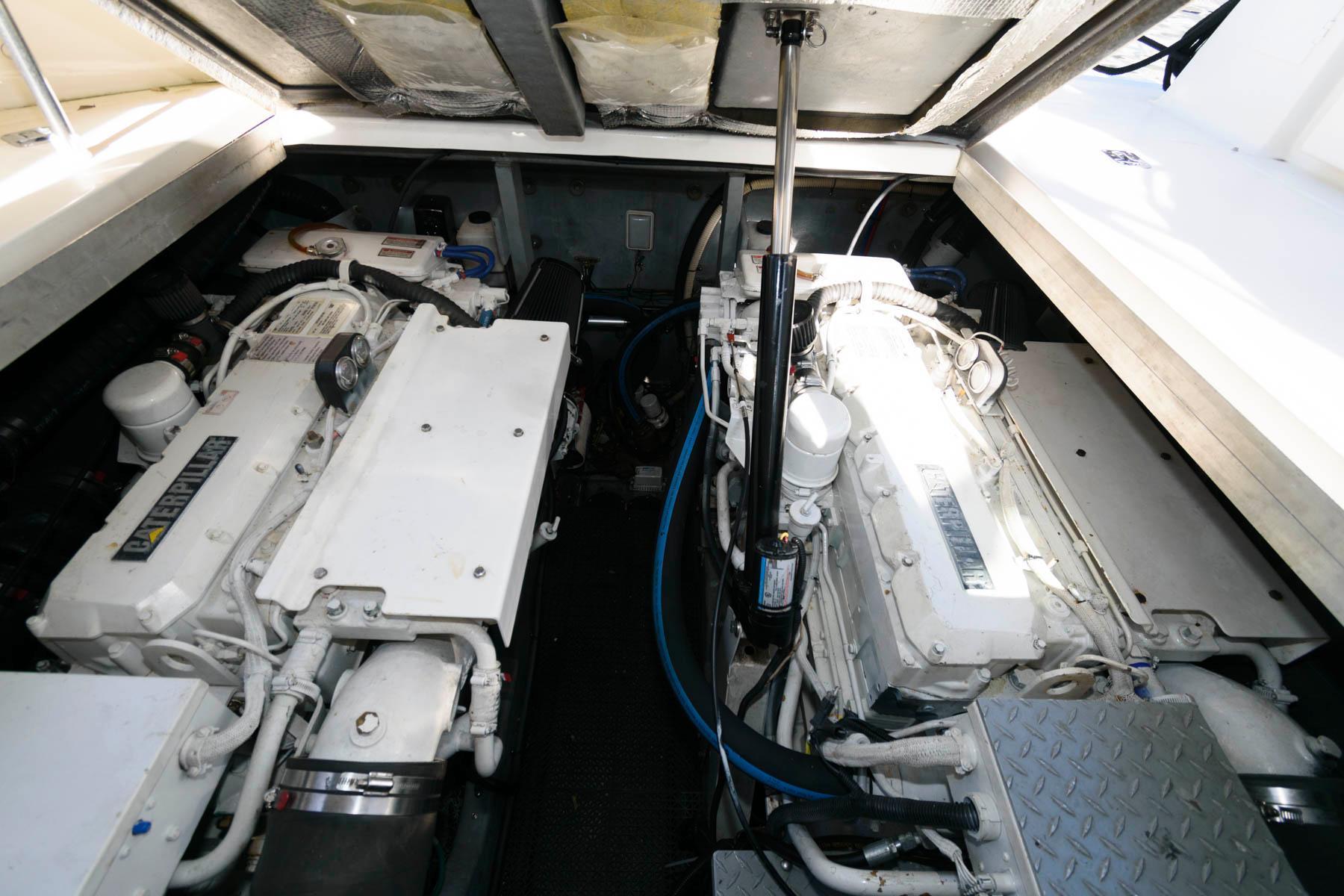 M 5820 VR Knot 10 Yacht Sales