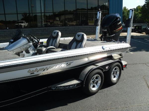 2017 Phoenix boat for sale, model of the boat is 920 ProXP & Image # 2 of 33