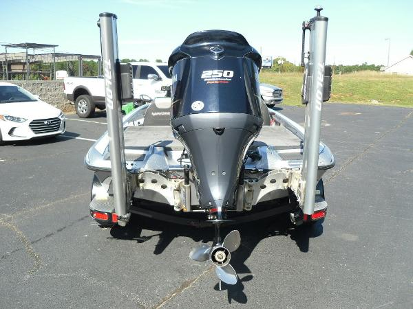 2017 Phoenix boat for sale, model of the boat is 920 ProXP & Image # 4 of 33