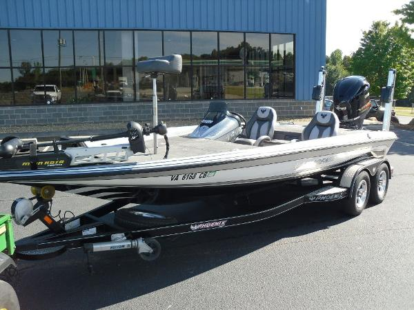 2017 Phoenix boat for sale, model of the boat is 920 ProXP & Image # 6 of 33