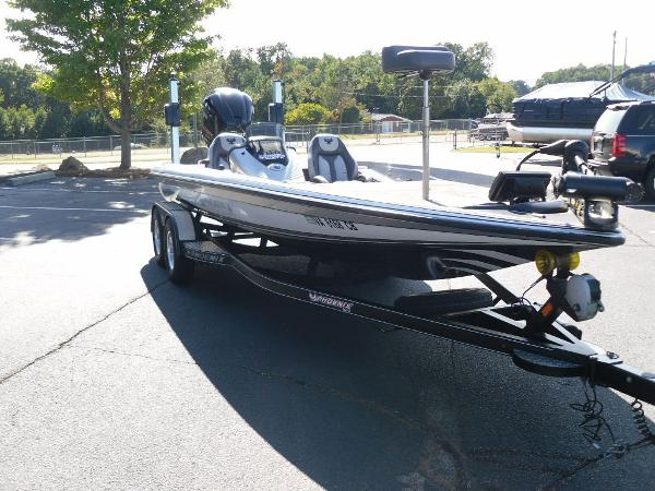 2017 Phoenix boat for sale, model of the boat is 920 ProXP & Image # 20 of 33