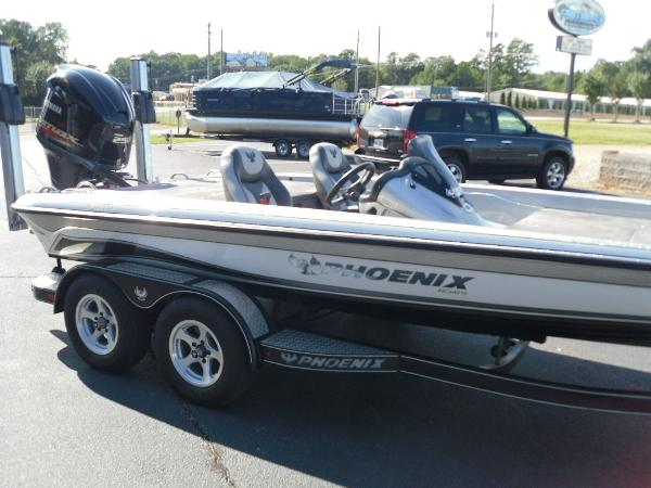 2017 Phoenix boat for sale, model of the boat is 920 ProXP & Image # 22 of 33
