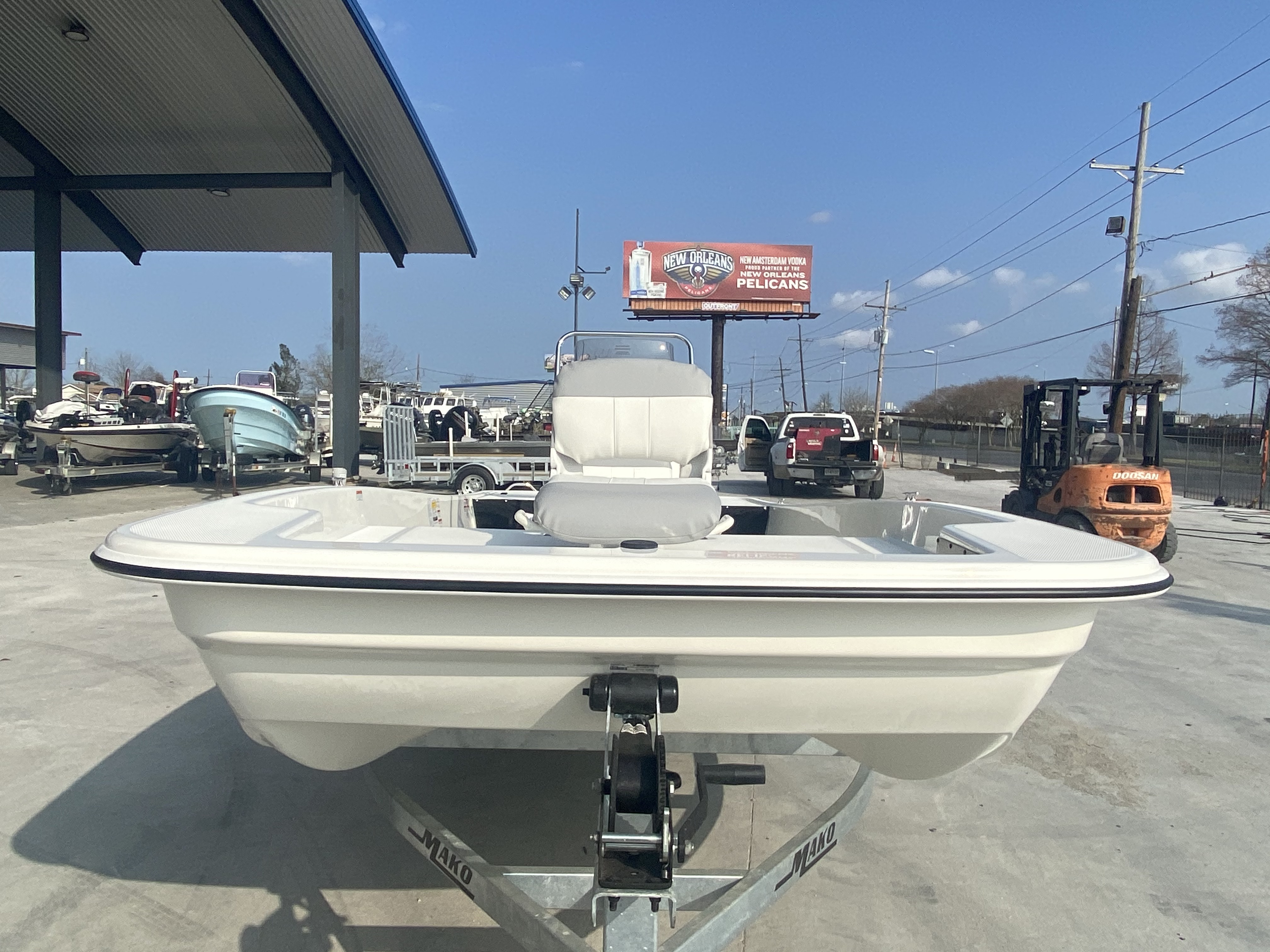 2021 Mako boat for sale, model of the boat is Pro Skiff 17 & Image # 4 of 9