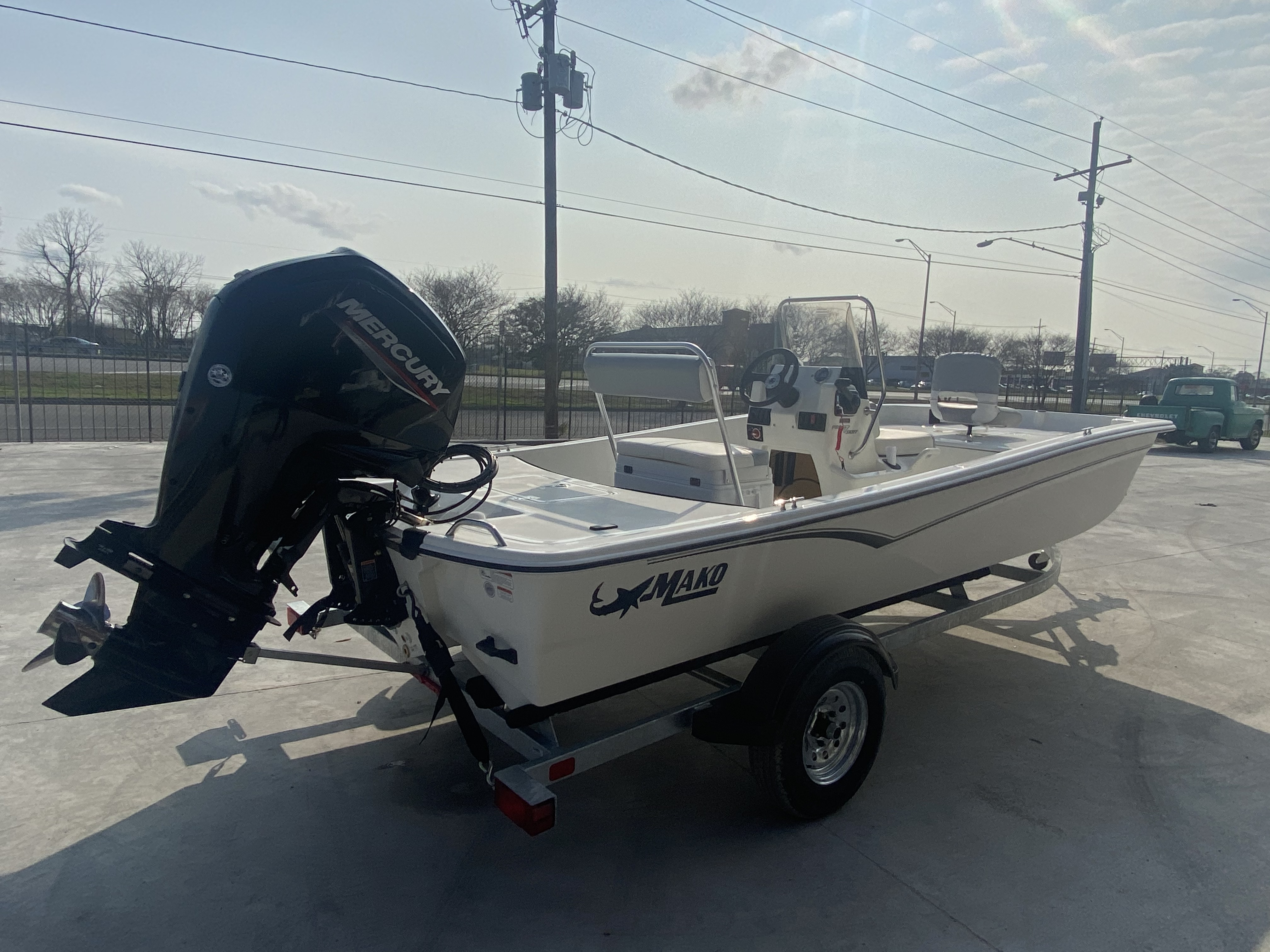 2021 Mako boat for sale, model of the boat is Pro Skiff 17 & Image # 7 of 9