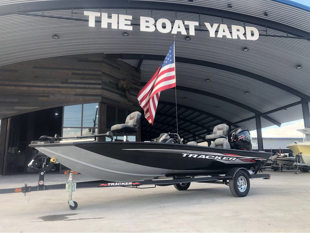 2022 Tracker Boats boat for sale, model of the boat is Pro Team 190 TX & Image # 1 of 5
