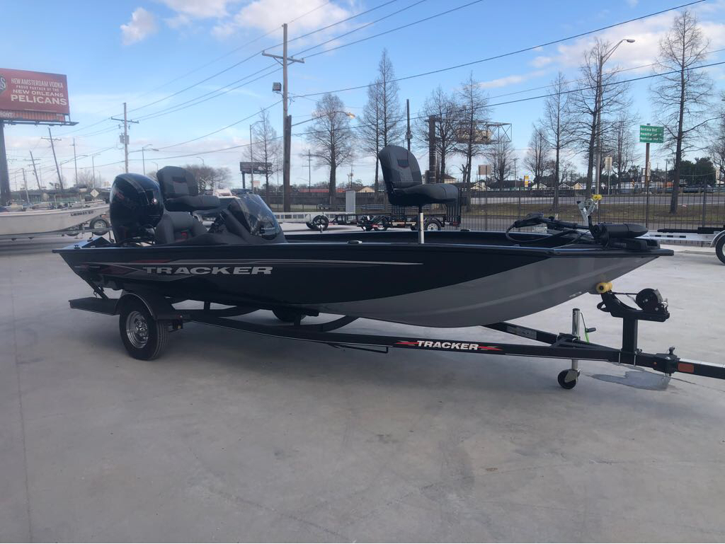 2022 Tracker Boats boat for sale, model of the boat is Pro Team 190 TX & Image # 3 of 5