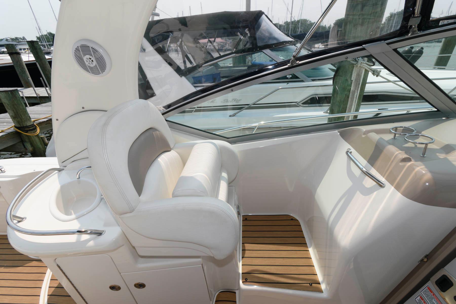 M 6326 EF Knot 10 Yacht Sales