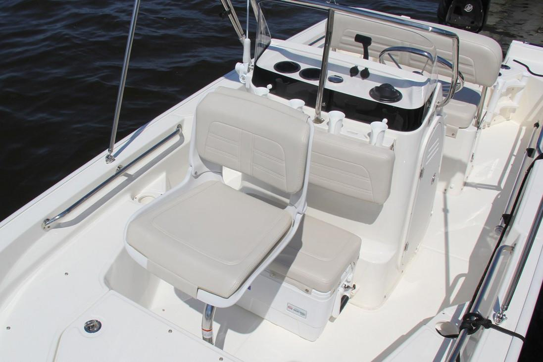 2021 Boston Whaler 150 Montauk