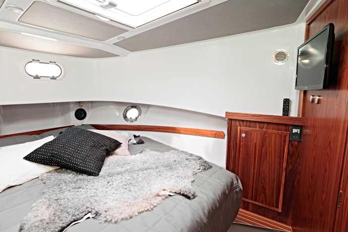 Sargo 36 forward cabin