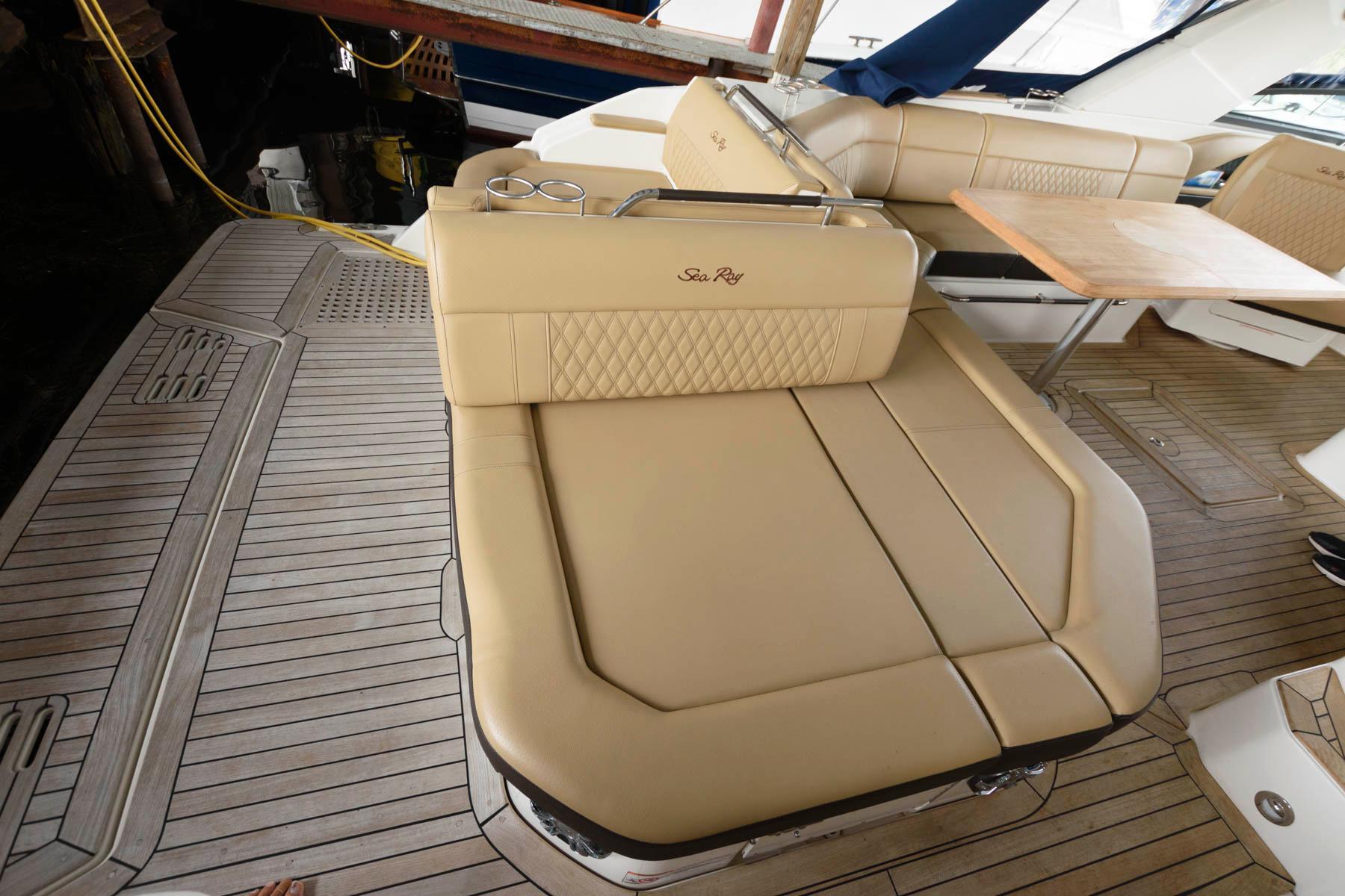 NY 6429 BP Knot 10 Yacht Sales