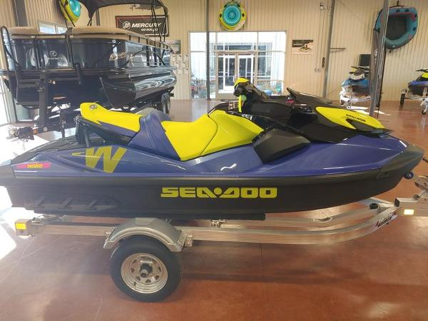 2021 Sea Doo PWC boat for sale, model of the boat is Wake™ 170 IBR & Sound System & Image # 1 of 3
