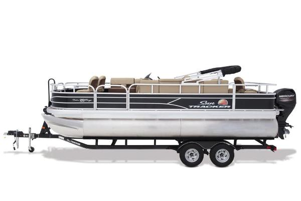 2018 Sun Tracker boat for sale, model of the boat is Fishin' Barge 20 DLX & Image # 4 of 10