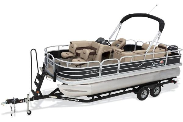 2018 Sun Tracker boat for sale, model of the boat is Fishin' Barge 20 DLX & Image # 2 of 10