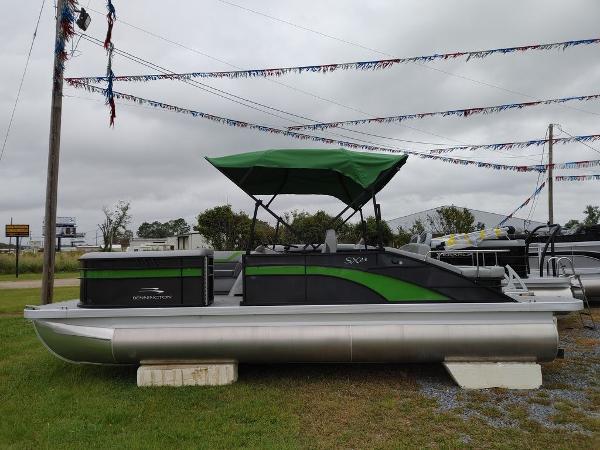 2021 Bennington boat for sale, model of the boat is 23 SSBX & Image # 2 of 8