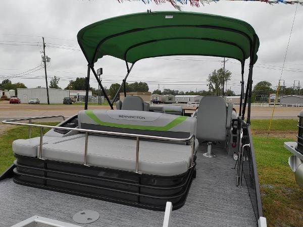 2021 Bennington boat for sale, model of the boat is 23 SSBX & Image # 3 of 8