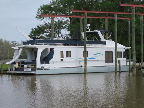 1998 Monticello River Yacht Houseboat thumbnail