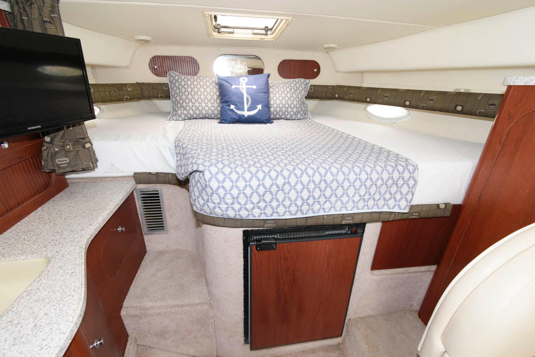 M 5798 JP Knot 10 Yacht Sales