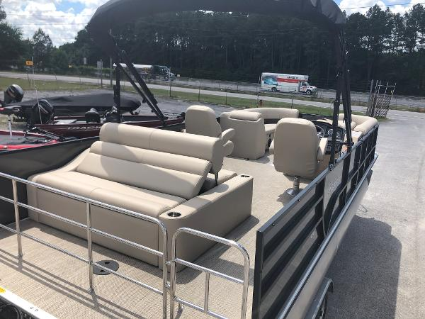 2021 Bentley boat for sale, model of the boat is 243 Swingback & Image # 8 of 37