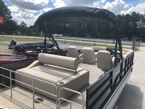 2021 Bentley boat for sale, model of the boat is 243 Swingback & Image # 9 of 37