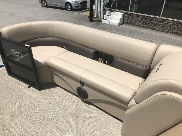 2021 Bentley boat for sale, model of the boat is 243 Swingback & Image # 16 of 37