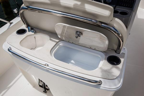 2020 Boston Whaler boat for sale, model of the boat is 270 Dauntless & Image # 9 of 10