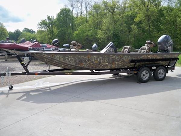 2021 WAR EAGLE 2170 Black Hawk Cat Fish