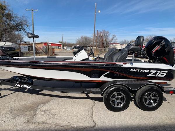 2021 Nitro boat for sale, model of the boat is Z18 & Image # 5 of 12