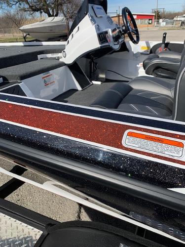 2021 Nitro boat for sale, model of the boat is Z18 & Image # 9 of 12