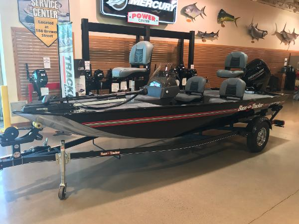 2021 Tracker Boats boat for sale, model of the boat is Bass Tracker Classic XL & Image # 4 of 30