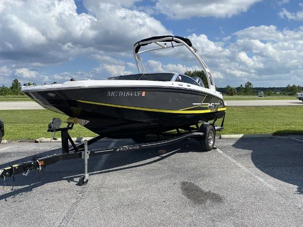 2019 Four Winns boat for sale, model of the boat is HD 200 & Image # 1 of 15