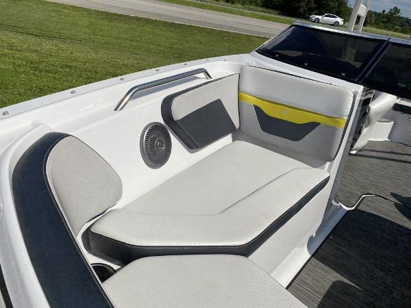 2019 Four Winns boat for sale, model of the boat is HD 200 & Image # 4 of 15