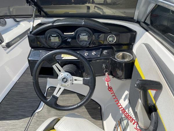 2019 Four Winns boat for sale, model of the boat is HD 200 & Image # 9 of 15