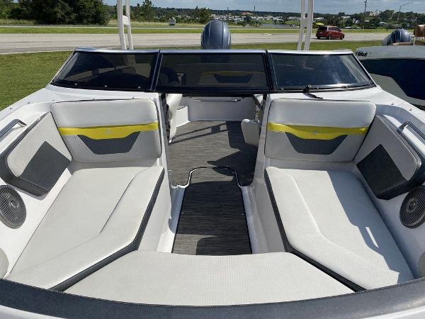 2019 Four Winns boat for sale, model of the boat is HD 200 & Image # 13 of 15