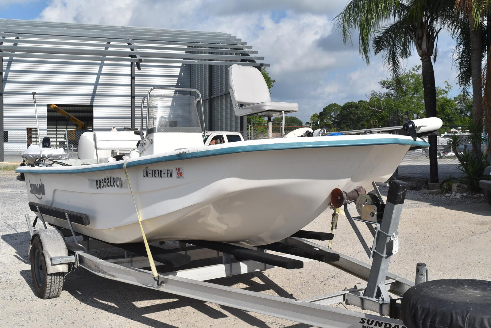 2009 Sundance boat for sale, model of the boat is 18 & Image # 2 of 6